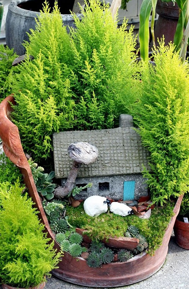Broken Pots Turned Into Brilliant Diy Fairy Gardens My Home